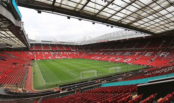 Bên Trong Sân Vận Động Old Trafford